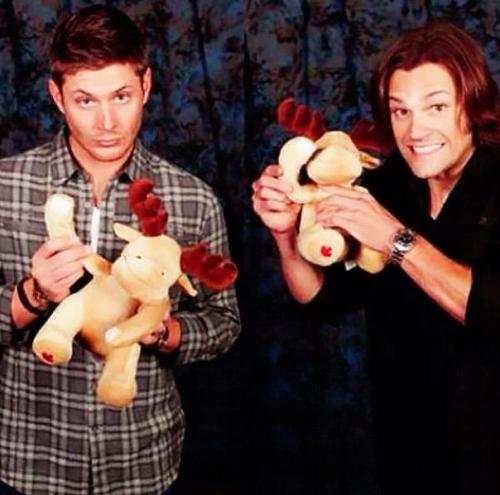 con photos j2 jared padalecki jensen ackles they are perfect ok my edit