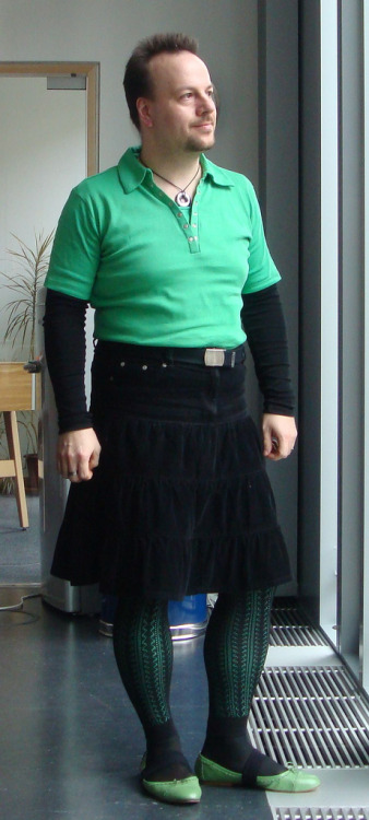 niceskirtbro:  2009-03-18 green day (by Kasmeneo)