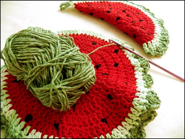 Crocheted Watermelon Potholder tutorial from Art Threads