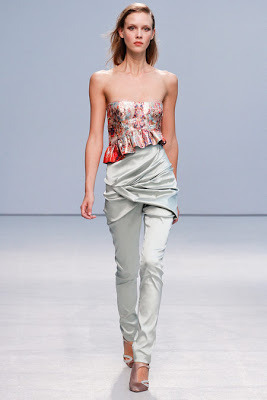 Anne Valérie Hash Spring/Summer 2013 Ready-To-Wear Collection. Click here to view all our favorite picks from this collection.