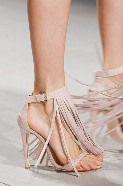 what-do-i-wear:  Marios Schwab, London - SS13