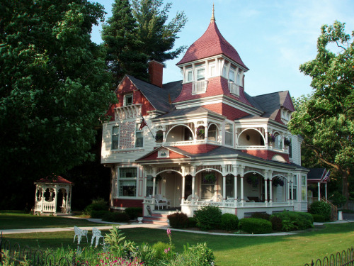 Victorian House in Bellaire, Michigan.  Photo by Chad R. Johnson.