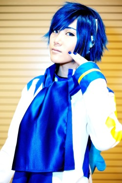 phantasmictrip:  Credit goes to Michael Shum.  More photos of Claude as Kaito~ follow follow follow their blog *w*