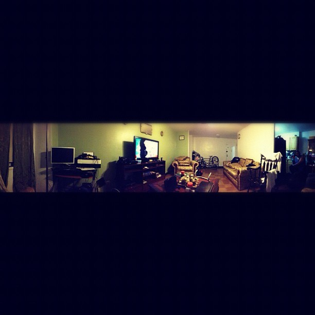 Panoramic of the homie Brenda's crib  @brendizzle_x3 #panoramic #chilling #lifeisgood #goodtimes #friends