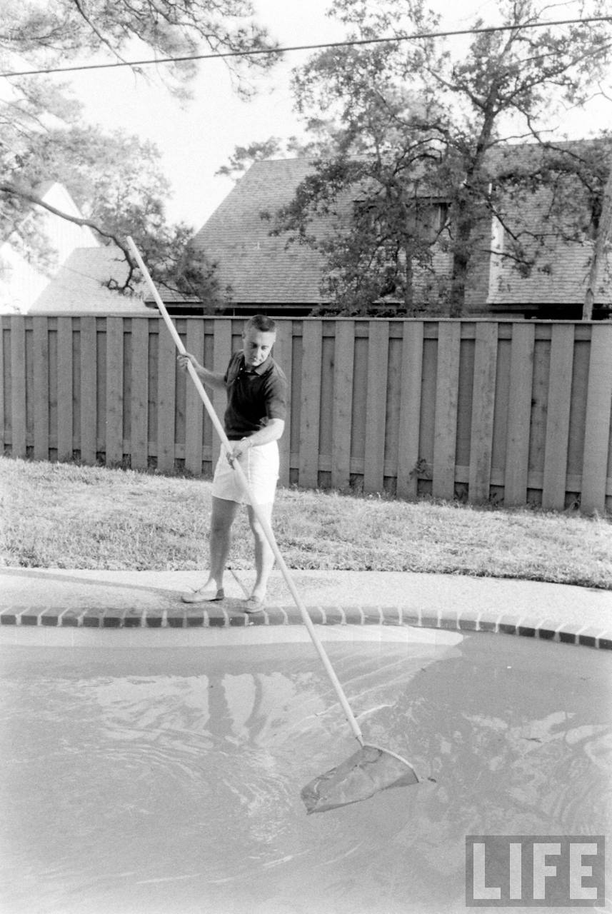 "lightthiscandle:  ""Fishing Deke out of the pool is getting really old.""  DEKE, JUST GRAB ON. I LOVE YOU AND ALL THAT, BUT STOP DRINKING ALL OF MY BEER AND JUMPING INTO MY POOL LIKE THAT. FUCKIN' A."