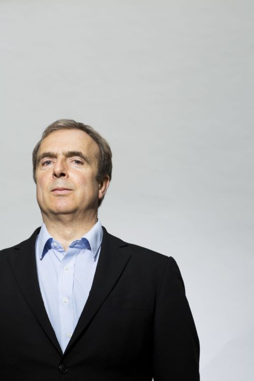 The contrarian rightwing journalist Peter Hitchens claims the war against drugs is lost because no one actually tried to wage it. But despite his outrageous inconsistencies and high moral judgments, he remains hard to dislike - Decca Aitkenhead interviews for Guardian G2 Photograph: David Levene for the Guardian