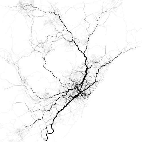 Routing 30,000 randomly-chosen trips through the paths suggested by 10,000 randomly-chosen geotags. These are perhaps the most interesting routes between the endpoints of the trips, even if not necessarily the most likely. Data from the Twitter streaming API, August, 2011. Base map from OpenStreetMap, CC-BY-SA. Paths through Barcelona (por Eric Fischer)
