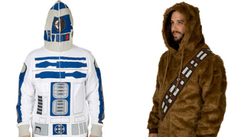 geekmythology:  R2D2 And Chewbacca Costume Hoodies For A Halloween Party In A Galaxy Far, Far Away