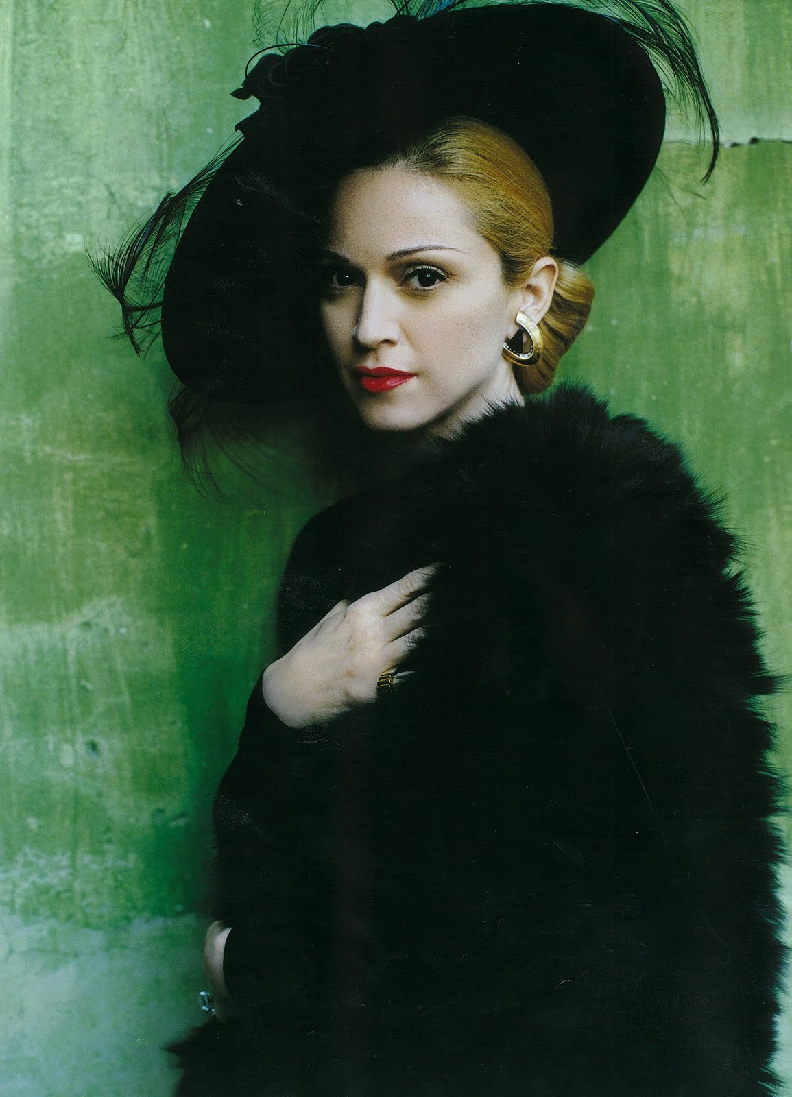 gentlysleeping:  Madonna photographed by Mario Testino for Vanity Fair - November 1996  MADONNA AS EVITA! <3