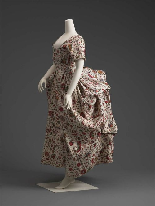 Robe à la polonaise, ca 1785 France (altered at a later date), Museum of Fine Arts, Boston