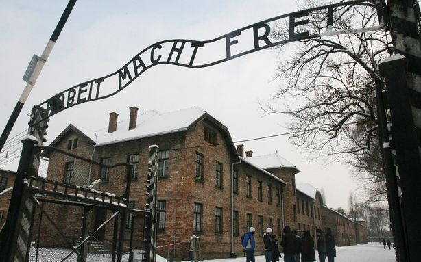 The World's Oldest Known Auschwitz Survivor Has Died  Antoni Dobrowolski, a former Polish teacher arrested by the Gestapo in 1942 for teaching underground lessons to students, died on Sunday at the age of 108, according to a Polish official speaking with the Associated Press. He was the oldest known survivor of Germany's largest death camp.  [Image: AP]