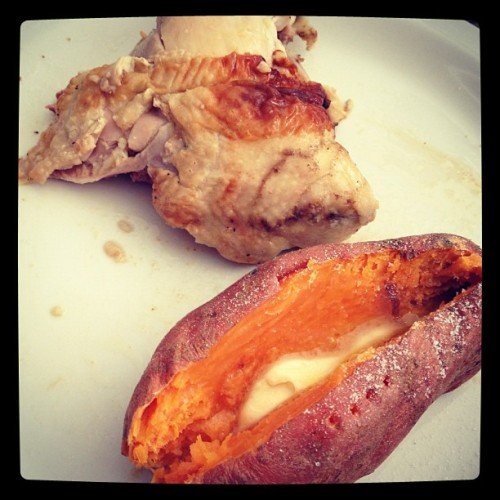 Baked sweet potato is about the best thing ever. #lunch #eatclean #cleaneating #sweetpotato #chicken #nomnomnom