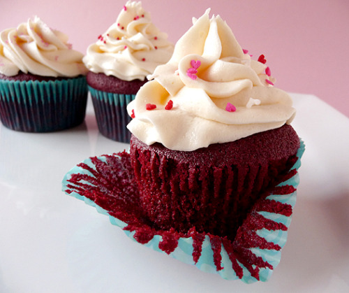 Red Velvet Cupcakes Recipe | Hummingbird Bakery | Brown Eyed Baker