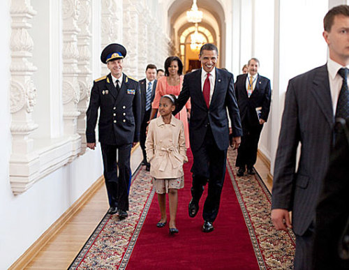 obamafamily:  President Barack Obama leads his daughter Sasha through the Kremlin after the family arrived in Moscow, Russia, July 6, 2009. (Official White House Photo by Pete Souza)  Most iconic Pete Souza photos of Obama family's first 4 years in the White House     #60