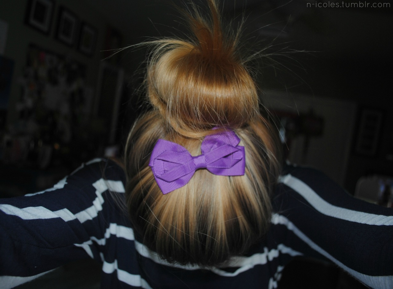 n-icoles:  on that purple bow swag.