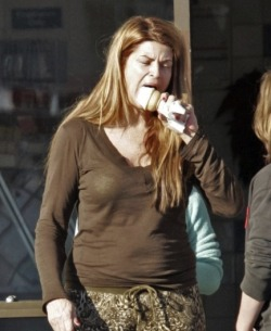 kirstie alley eating ice cream