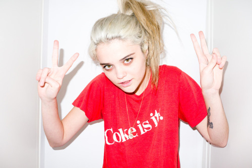 terrysdiary:  Sky Ferreira at home #6