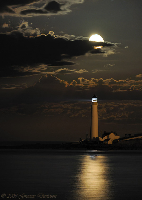 Montrose Scurdie Ness Lighthouse Moonrise