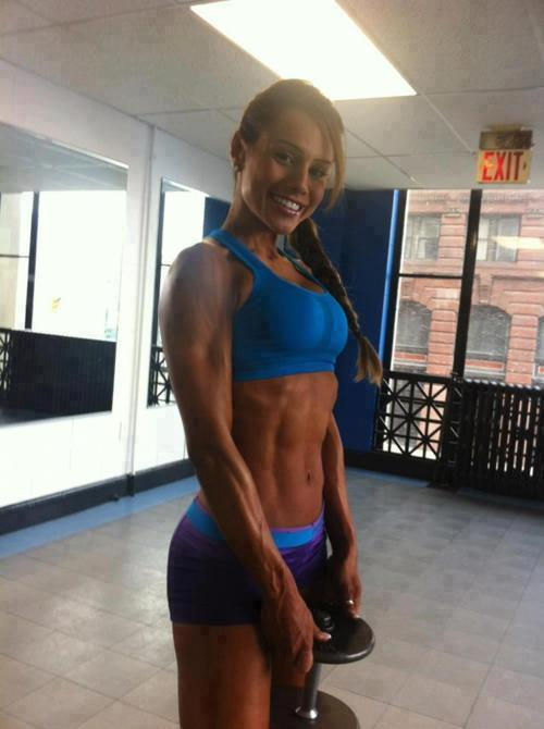 getting-back-on-track:  Nathalia Melo <3