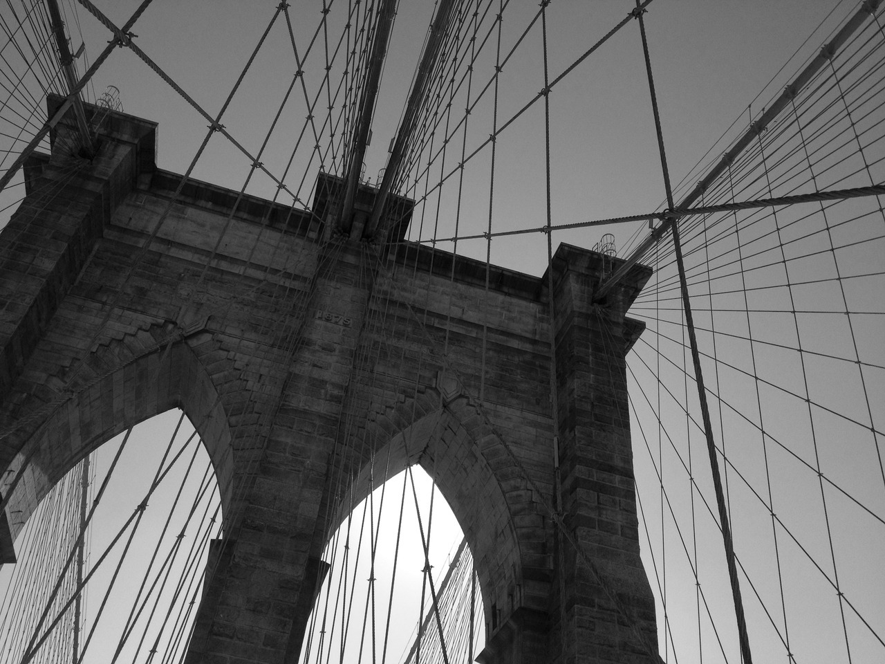 5 bridge run: manhattan to brooklynbrooklyn bridge, nyc 11:00 am, 50° 15 miles
