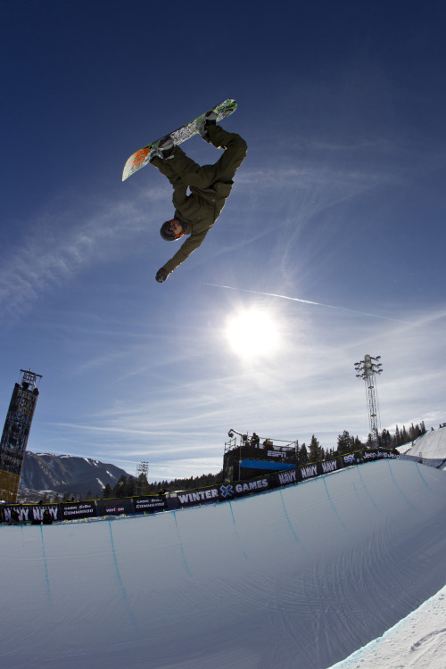 The high flying Kazu Kokubo on the state of Japanese snowboarding: http://es.pn/SelUvG