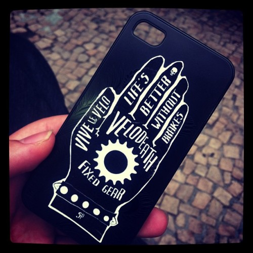 adalbertorossette:  New case. #velodeath #iphone4 #nobrakes (at Mate Por Favor (Sabor Mate))