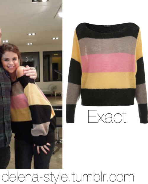 delena-style:  Selena wore this jumper/sweater which is sold out. She wore this lovely jumper when she got her second tattoo.