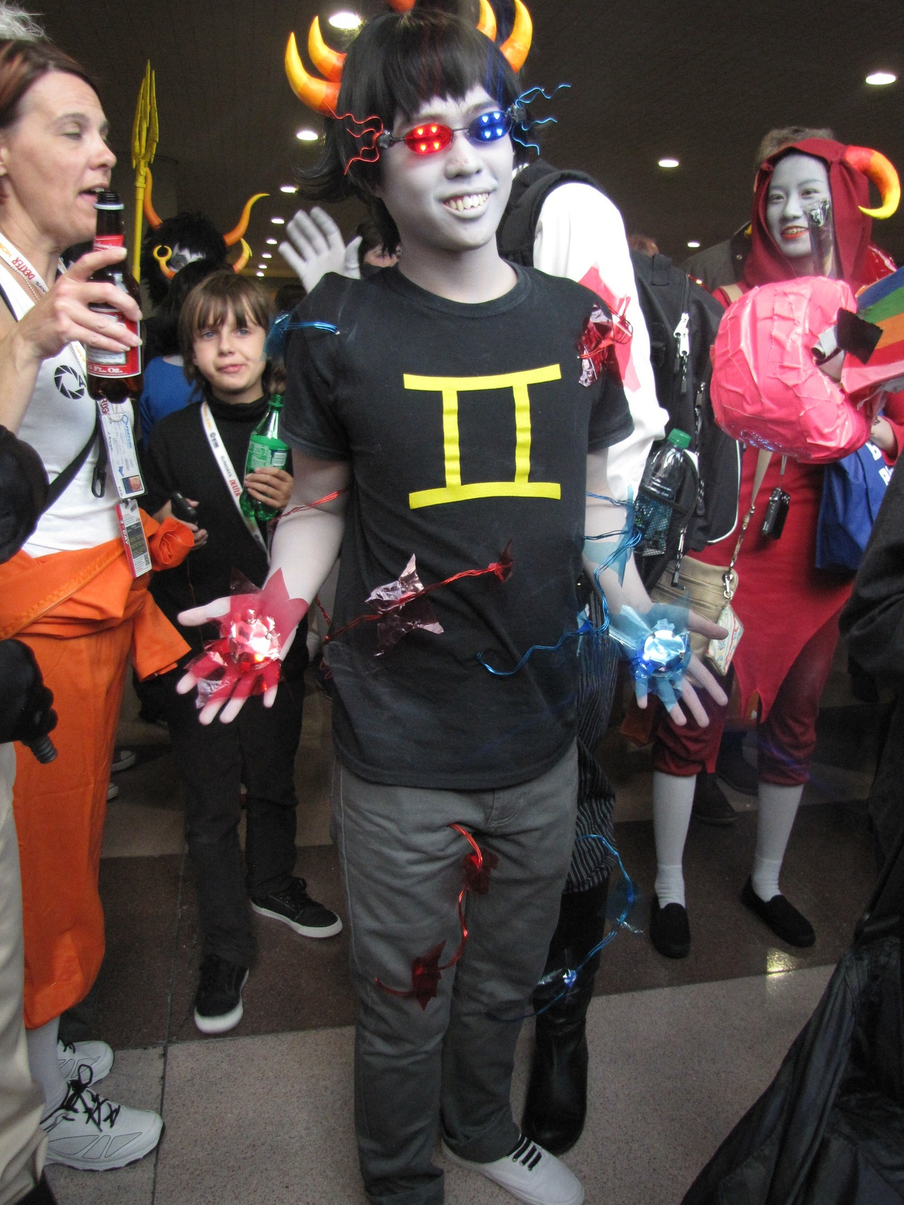 ectobiologists:  other pictures from nycc (homestuck rel) that i'm just now putting up haaaa oops sorry! if you're in these pictures please shoot me a message so i can credit you!