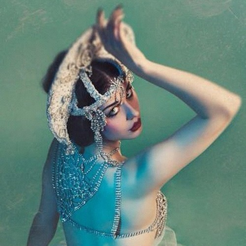 glittergarters:  Dolly L'amour