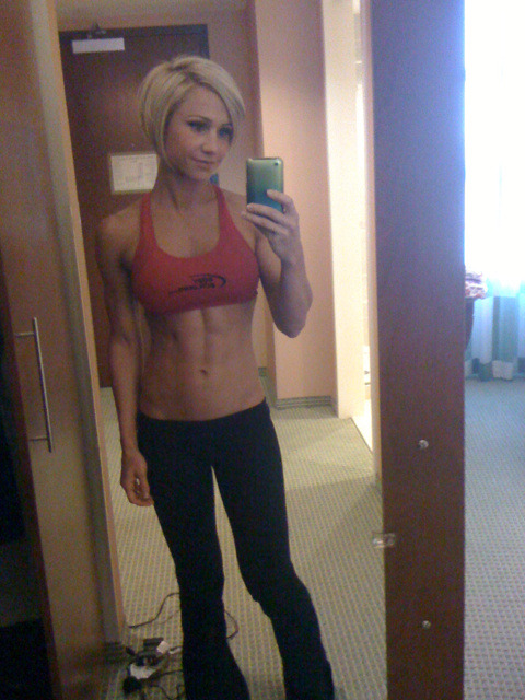 Look at those abs!