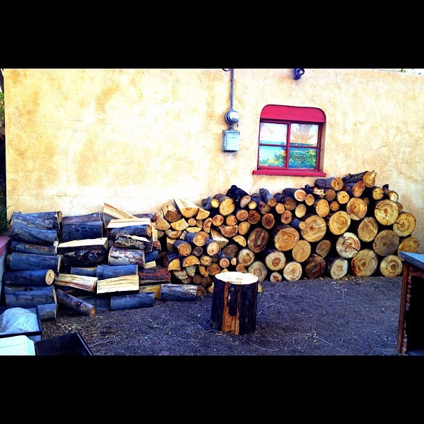 // Got Wood? // #gettingreadyforwinter #autumn #winterscoming #wood #newmexico #iphonephotography #tbt #jj_forum #jj #statigram #webstagram #picoftheday #bestoftheday #photooftheday #instaphoto