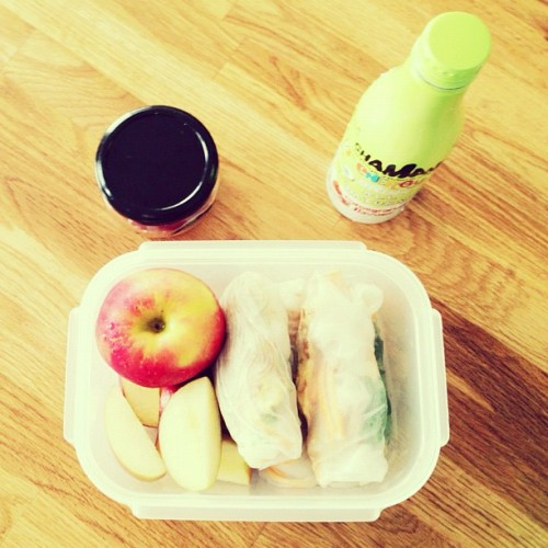 Awesome self made school lunch box #healthy #food #instadaily #instafood #cute (at Siew's box of deliciousness)