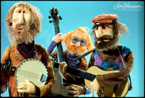 The Country Trio, Jim on banjo, Frank on bass, and Jerry on guitar, on The Muppet Show.