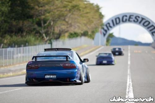 40ozandpictures:  Creepin around the track