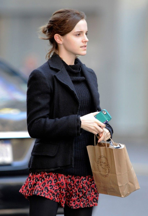 suicideblonde:  Emma Watson in NYC, October 21st  I miss fall in New York.