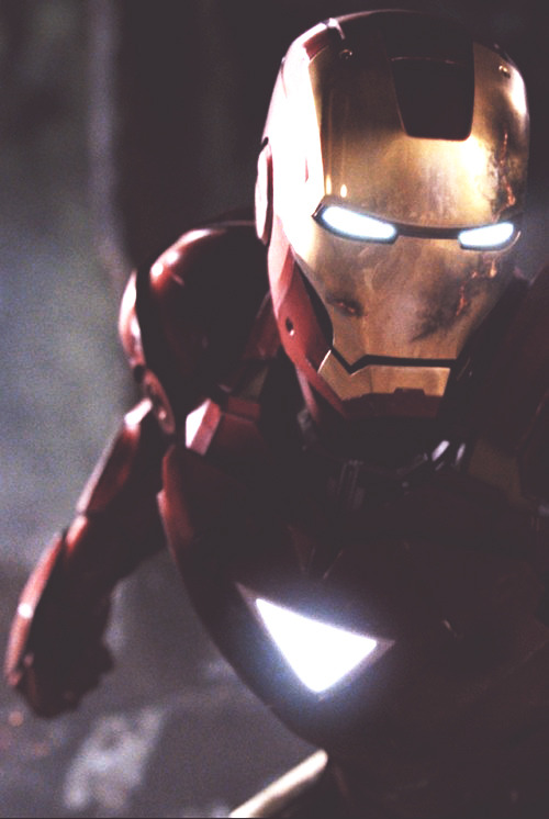vintage-sunflower:  IRON MANNNNN omg watched the movieeeeee