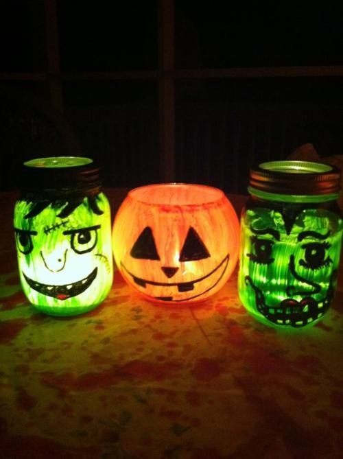 DIY Halloween candle jars. Fun and super easy :)