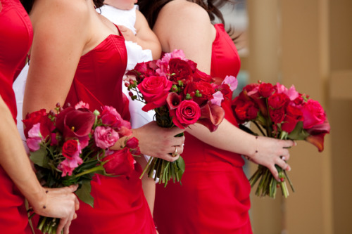 cuntgrats:  (via TumbleOn)  Red is pretty for bridesmaids…