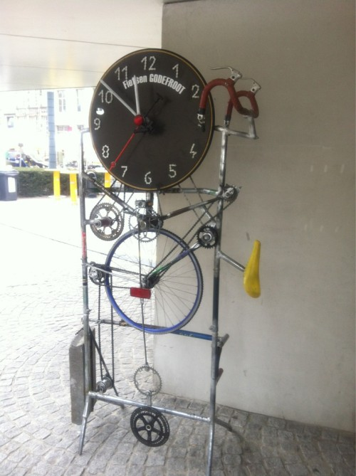 bicycleculture:  All the gears appear to be working clock gears. Even the pendulum is bike gears. If this clock actually works, and I suspect it does, this is just genius. I am in awe.