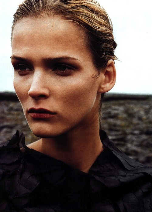 zuzannabijoch:  carmen kass by corinne day for vogue paris june 2001