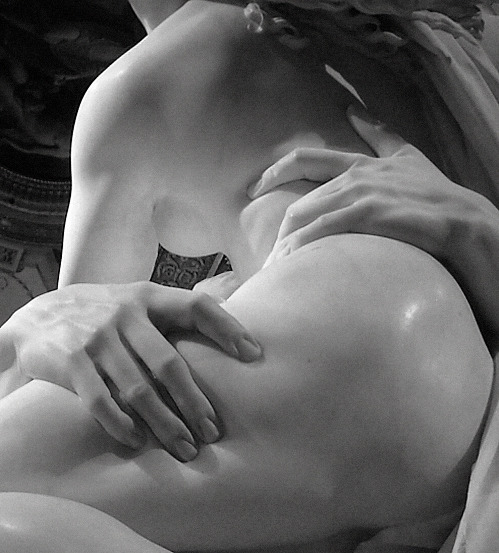 confessionsofahornywife:  Hold Me Please?  One of my favorite sculptures!
