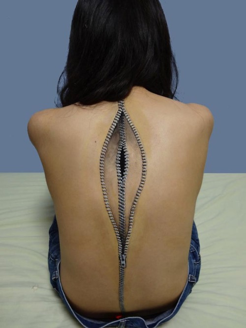 Body Art Illusions Some super realistic body art illusions by Japanese artist Chooo-San. The artist uses acrylic paint to create these amazing illusions. more on WE AND THE COLORFacebook // Twitter // Google+ // Pinterest