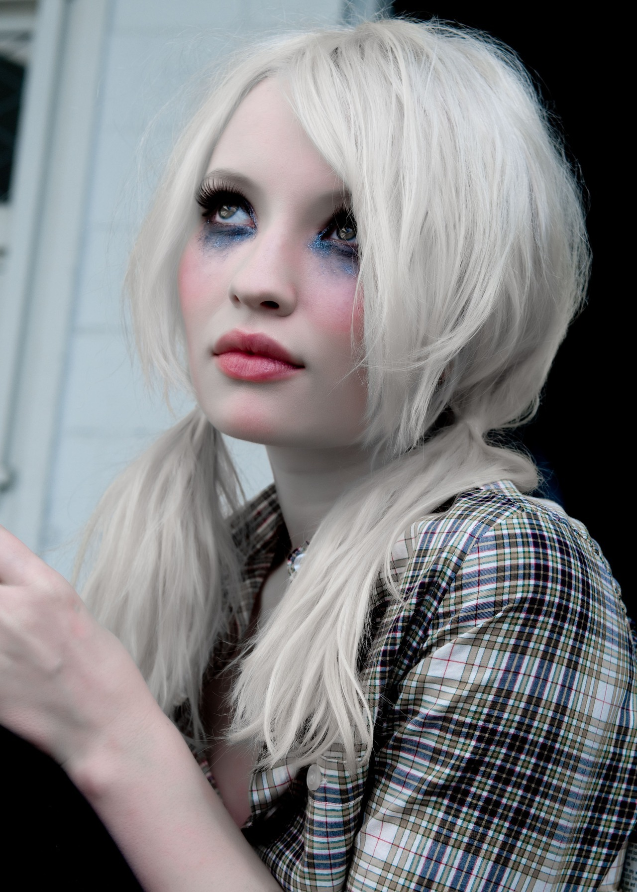 Emily Browning is a total babe.