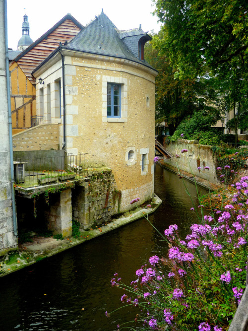 allthingseurope:  Vendôme, France (by French Moments)