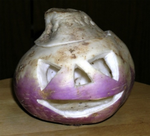 buzzfeed:  Did you know that the first jack-o'-lanterns were actually made from turnips?  Dear!