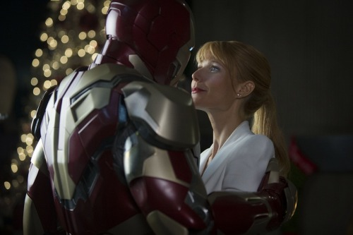 What do you think of this new still of Iron Man and Pepper Potts from the Iron Man 3 trailer?