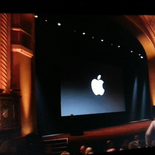 Viendo el #streaming de la #Keynote de la posible presentación del #ipadMini #keynote #appletv #CaliforniaTheatredeSanJose #california