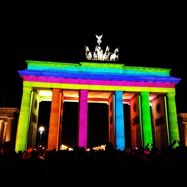 Brandenburger Tor at the Festival of Lights #berlin #lights #festivaloflights #festival #brandenburger #tor #brandenburggate #sights #crowd #people #dark #night #illumination #instacrazy #instamania #iphone4s #iphoneography #igdaily #picoftheday #designer #igers #germany (at Brandenburger Tor)