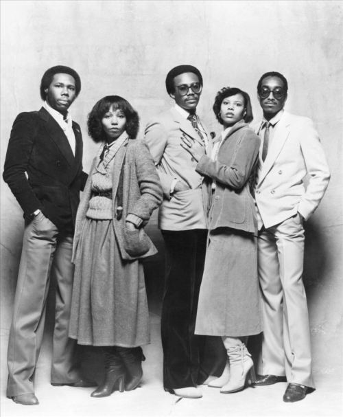 blackhistoryalbum:  MUSIC THROWBACK: LE FREAK, C'EST CHIC | 1978 The supreme disco band, Chic, led by Nile Rodgers (far left) and Bernard Edwards (center). LOOK AND LISTEN (Click Here)