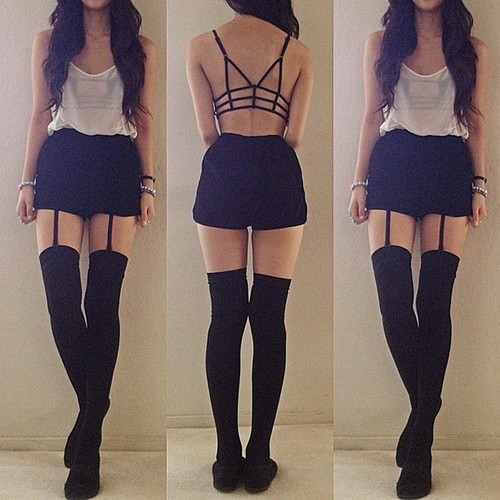 heartoutofhand:  LONG SKINNY LEGS PLS